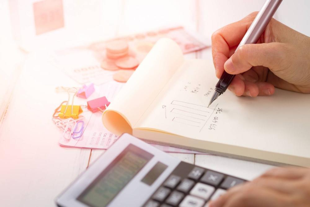 Kto może prowadzić biuro rachunkowe po deregulacji?